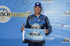 Kevin Harvick holt 31. Pole Award - Foto: LAT Images