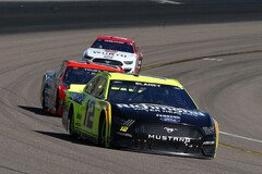 Ryan Blaney (#12) gewinnt Stage 1 - Foto: LAT Images