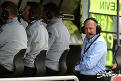 Ron Dennis be�ugt McLarens Performance kritisch - Foto: Sutton