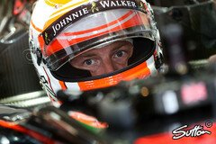 Button bleibt bei McLaren - Foto: Sutton