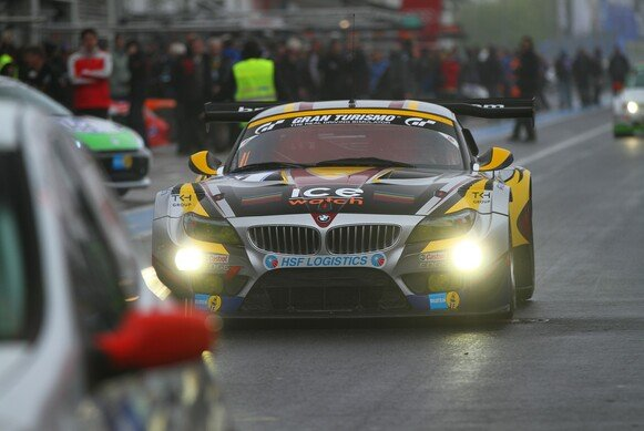 Der BMW Maxime Martins in der Boxengasse am Ring