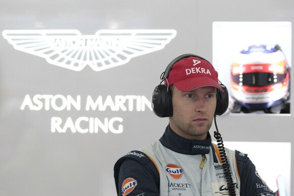 Stefan Mücke in der Aston-Martin-Racing-Box