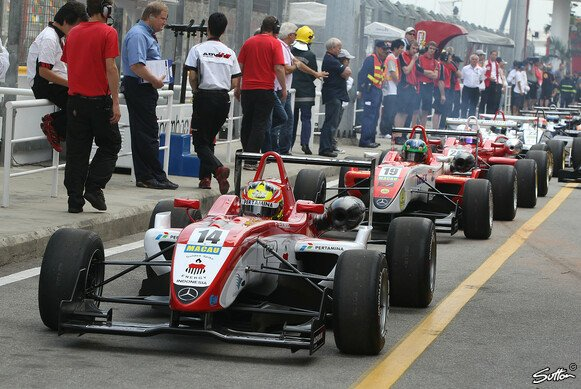 Double R Racing in Macau