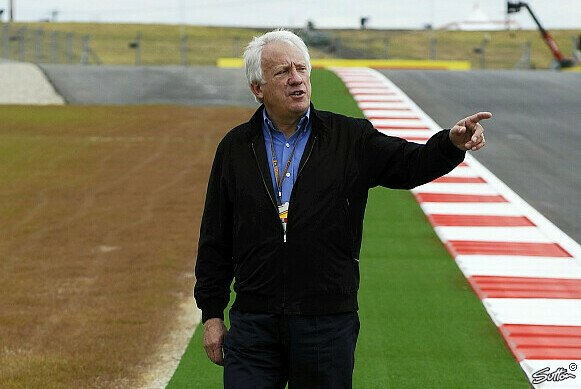 Charlie Whiting kam die Rote Flagge in den Sinn