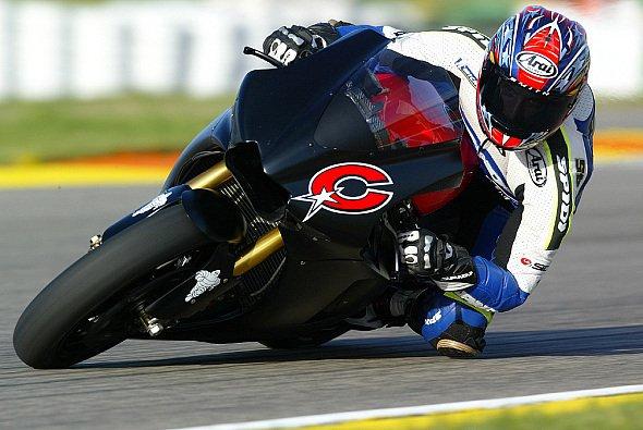 Edwards und Rossi werden in Bormio offiziell vorgestellt. - Foto: Gauloises Racing