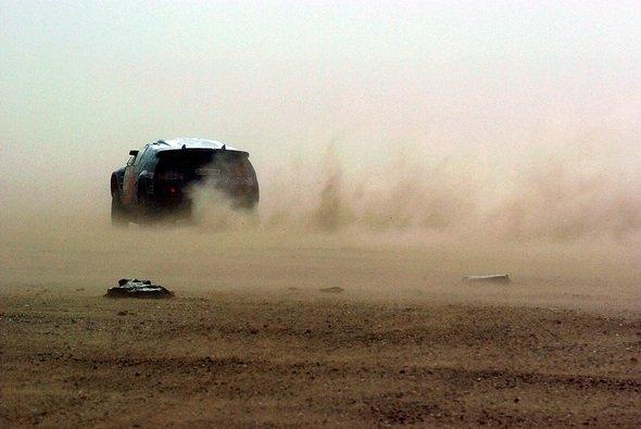 Auch im größten Sandsturm ließ die Technik die Blauen nicht im Stich. - Foto: VW Motorsport