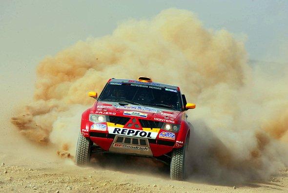 Peterhansel führt auch weiterhin die Dakar an. - Foto: Mitsubishi