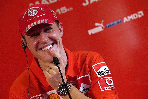 Michael Schumacher drückt Nick die Daumen im Cockpitkampf. - Foto: Ferrari Press Office