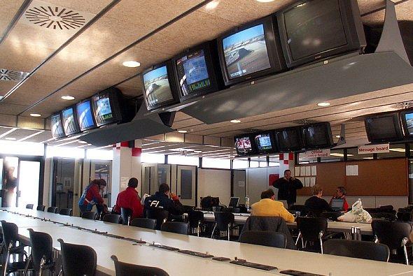 Die Formel 1 entdeckt das Internet... - Foto: adrivo Sportpresse