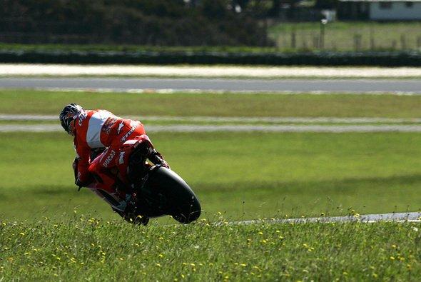 Die Roten sind mit vier Fahrern in Barcelona zugegen. - Foto: Ducati