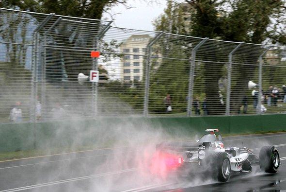 Zumindest für das 2. Qualifying sind wieder Schauer vorausgesagt. - Foto: West