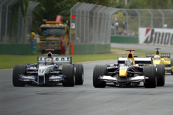 Das Duell Coulthard - Webber wäre beinahe schief gegangen. - Foto: xpb.cc
