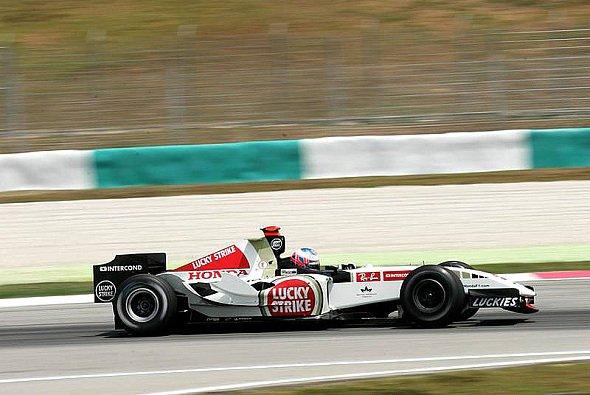 Jenson Button erlebte einen produktiven Tag. - Foto: xpb.cc