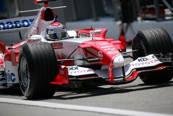 Jarno Trulli trieb seinen TF105 zu Höchstleistungen an. - Foto: Toyota