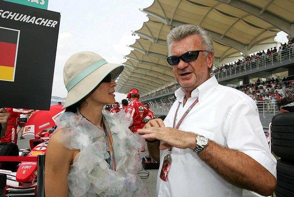 Willi Weber glaubt an den achten Titel für Michael Schumacher. - Foto: xpb.cc