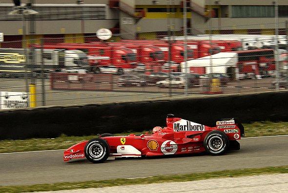 Ferrari hat sich entschlossen: Der F2005 wird in die Wüste geschickt. - Foto: Ferrari Press Office