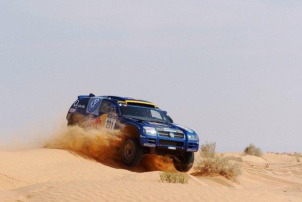 Volkswagen als Tabellenführer mit drei Race-Touareg in Marokko - Foto: VW Motorsport