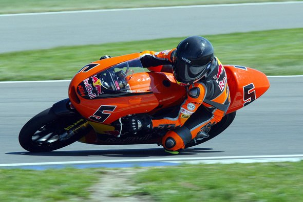 Stefan Bradl siegte in Ungarn. - Foto: KTM/Weisse