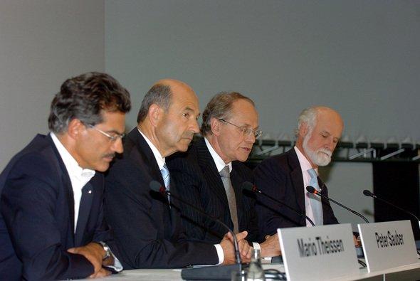 Mario Theissen, Peter Sauber und Burkhard Göschel brachten den Stein ins Rollen. - Foto: BMW