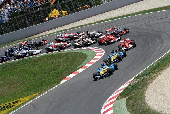 Alonso gab von Anfang an den Speed vor. - Foto: RenaultF1