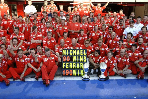 Leitwolf Michael Schumacher riss das ganze Ferrari-Team mit sich - Foto: Ferrari Press Office
