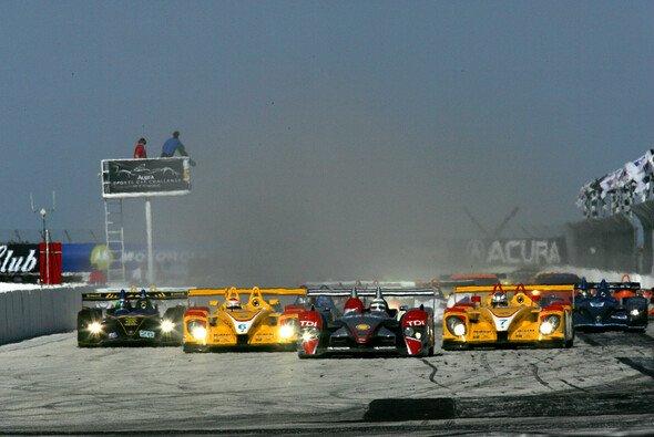 Silber gegen Gelb oder Audi gegen Porsche - Foto: Audi