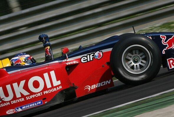 Kann Aleshin seinen Titel von 2010 mit Tech 1 heuer wiederholen? - Foto: Renault Sport