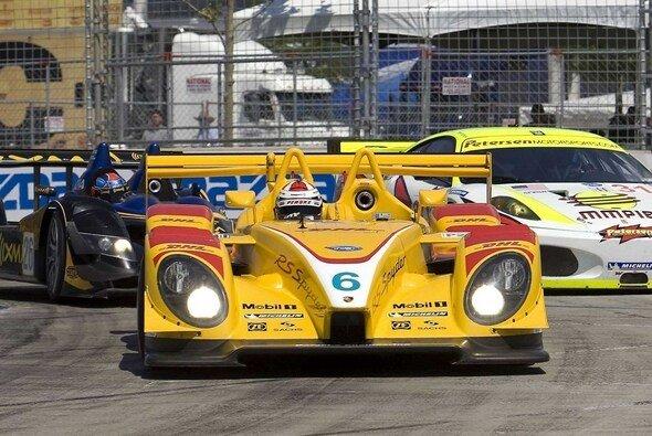 Das ungleiche Duell geht in die nächste Runde - Foto: Porsche