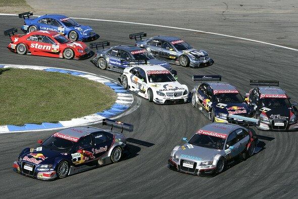 Schon in der Spitzkehre war für Martin Tomczyk das Rennen faktisch schon vorbei. - Foto: DTM