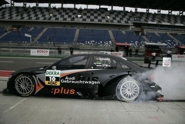 Timo Scheider ließ es qualmen. - Foto: Audi