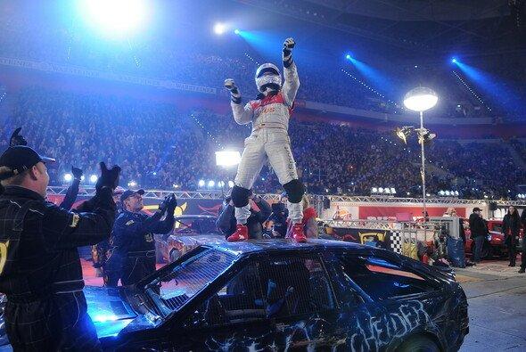 TV total Stock Car Crash Challenge 2008: Timo Scheider feiert seinen ersten Titel - Foto: Willi Weber/ProSieben