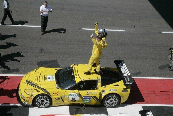Hohenadel/Seiler feiern ihren Sieg - Foto: GT Masters