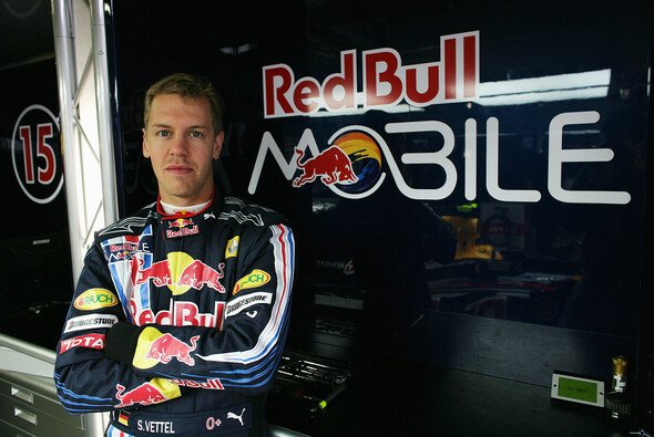 gewinnspiel mit red bull mobile nach monza formel 1 motorsport. Black Bedroom Furniture Sets. Home Design Ideas
