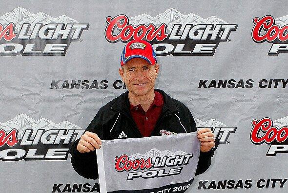 Mark Martin: Katze, Pole und die Zahl Sieben - Foto: NASCAR
