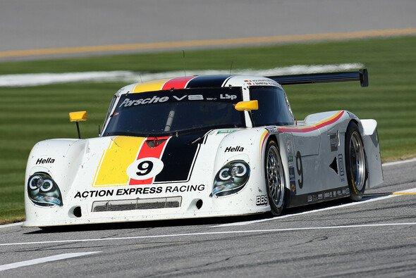 Mike Rockenfeller 2010 bei den 24 Stunden von Daytona - Foto: Porsche