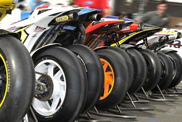 Die Reifen sind eine eigene Wissenschaft - Foto: Milagro