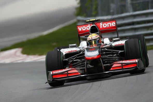 Lewis Hamilton startet von der Pole Position