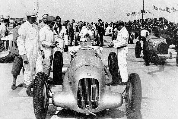 Der Mercedes W 25 beim Eifelrennen 1934