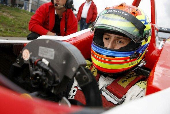 Alexander Sims durfte einen McLaren testen - Foto: F3 EuroSeries