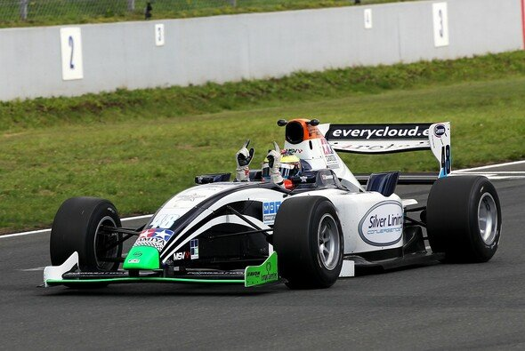 Stoneman hängte die Konkurrenz ab - Foto: Formula Two