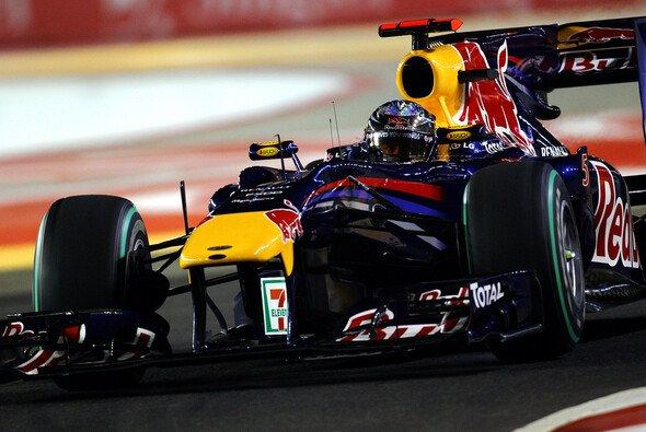 Sebastian Vettel kam nicht an Fernando Alonso vorbei - Foto: Red Bull/GEPA