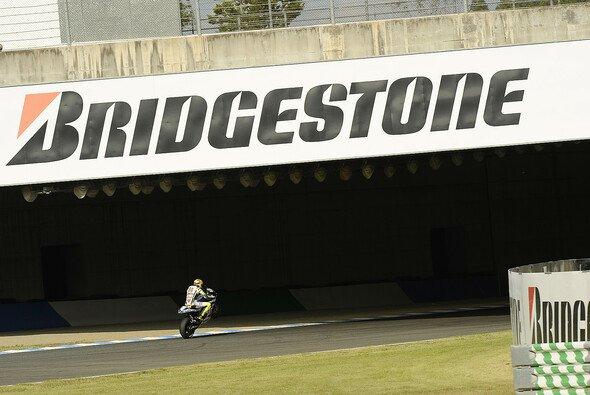 Valentino Rossi war mit der Bestzeit vom Freitag logischerweise zufrieden. - Foto: Bridgestone