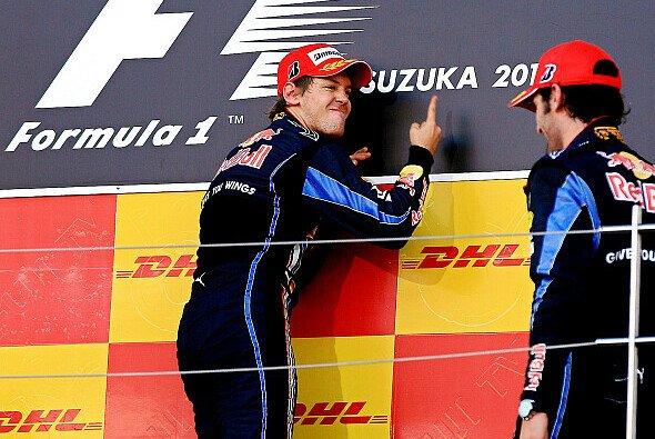 Sebastian Vettel und Mark Webber liegen nicht unbedingt auf einer Wellenlänge - Foto: Red Bull/GEPA