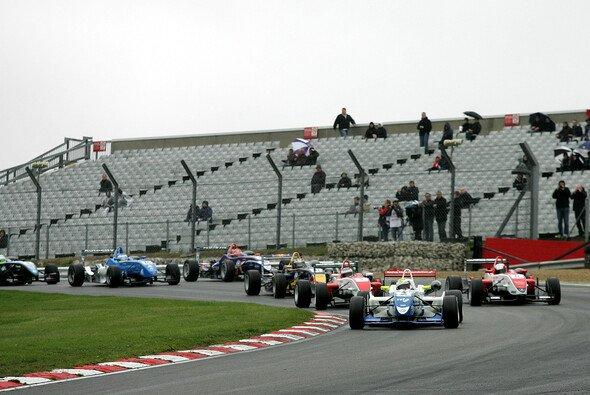 Der britischen Formel 3 steht eine harte Saison bevor - Foto: Britische F3