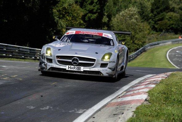 Saisonstart für den Mercedes-Benz SLS AMG GT3