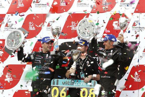 Michael Bartels und Andrea Bertolini sind die ersten Weltmeister der GT1-Geschichte - Foto: DPPI
