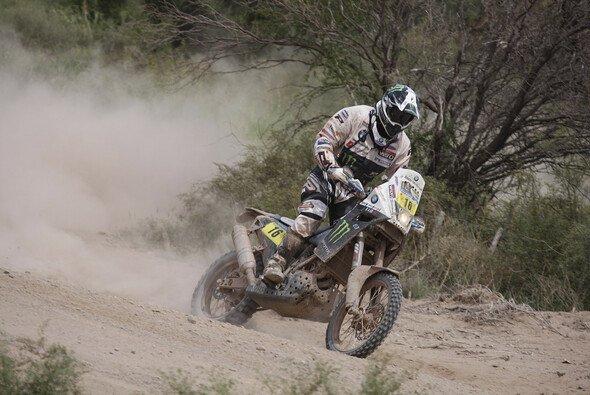 Auch wenn Frans Verhoeven seinen dritten Etappensieg feiern konnte, heißt der glückliche Gesamtsieger der Dakar 2011 Marc Coma