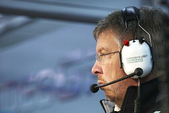 Ross Brawn erwartet noch einen Leistungs-Schub - Foto: Mercedes GP