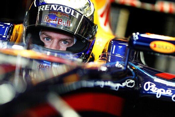 Sebastian Vettel ist von Rot angetan - Foto: Red Bull/GEPA