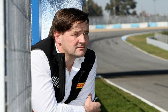 Paul Hembery gibt sich zufrieden - Foto: Pirelli